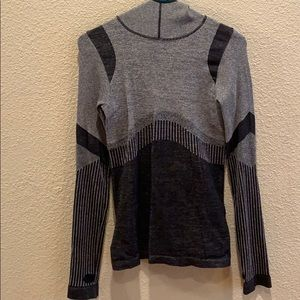 Grace athletic pullover